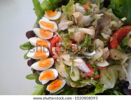 vegetable mushroom salad mix with chilly