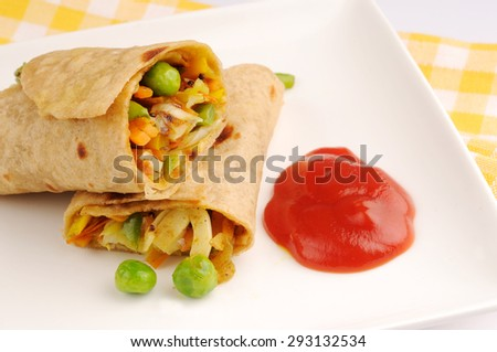 vegetable wraps with tomato sauce