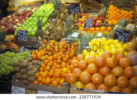Vegetables and fruits in raw at a farmers market