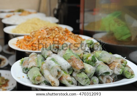 Vegetarian buffet in Ho Chi Minh City (Vietnam) - Noodles, vegetable rolls