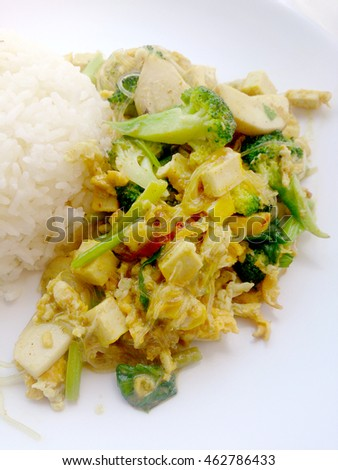 Vegetarian Food with fried mixed vegetables with noodles made of green grams & thai jasmine rice, Healthy food. thai food
