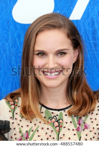 VENICE, ITALY - SEPTEMBER 07: Actress Natalie Portman attends a photocall for 'Jackie'   during the 73th Venice Film Festival 2016 in Venice, Italy