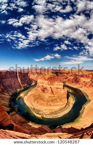 vertical view of Horse Shoe Bend at Utah, USA