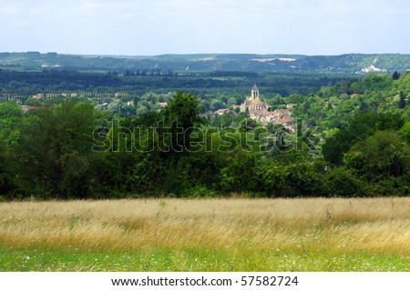 Vetheuil  village in natural Park of French Vexin