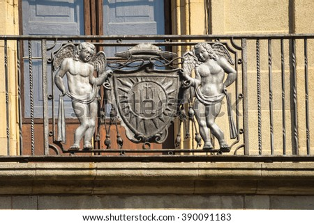 Vic (Catalunya, Spain): historic palace: facade: a balcony with statues of angels