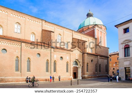 VICENZA, ITALY - JAN 31, 2015: Scene of Piazza del Duomo (Cathedral Square), with local and tourists, in Vicenza, Veneto, Italy
