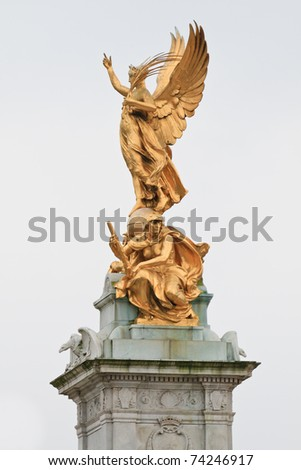 Victoria Monument on Buckingham Palace roundabout in London, England - stock photo