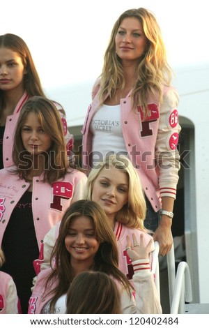 Victoria's Secret Models at the arrival of the Victoria's Secret Models via Private Jet to Burbank's Bob Hope Airport, Burbank, CA 11-14-06 - stock photo
