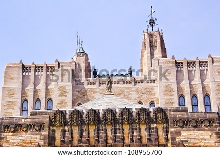 Victorian Roof Tower Statue Yale University Sterling Memorial Library New Haven Connecticut Fifth largest library in the United States - stock photo