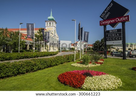 burberry cabazon outlet ryzw  Parndorf Designer Outlet