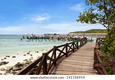 View at Tawaen beach with blue sky in Lan island, Thailand