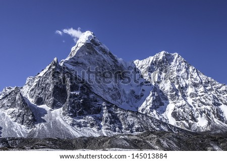 view from the Chhukhung valley on the peak of the Ama Dablam massif - Everest region, Nepal Himalayas