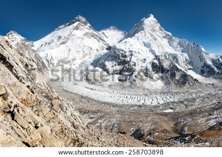 View of Mount Everest, Lhotse and Nuptse from Pumo Ri base camp - way to Mount Everest base camp - Sagarmatha national park - Nepal