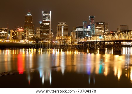 View of Portland, Oregon overlooking the willamette river.