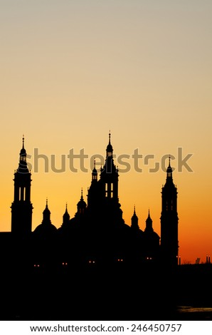 View of the  basilica of the Virgen del Pilar and Ebro river, right is located the medieval bridge known as the Stone Bridge, Zaragoza, Aragon, Spain