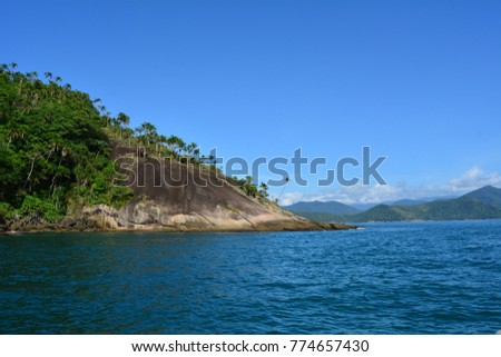 view of the island in Ubatuba from the boat