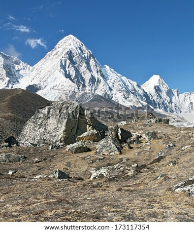 View of the Mt. Everest region near Gorak Shep, Nepal