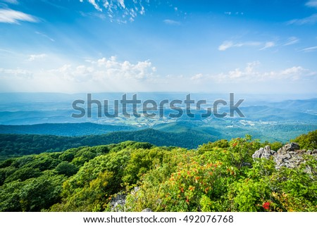 View of the Shenandoah Valley from Stony Man Mountain, in Shenandoah National Park, Virginia.