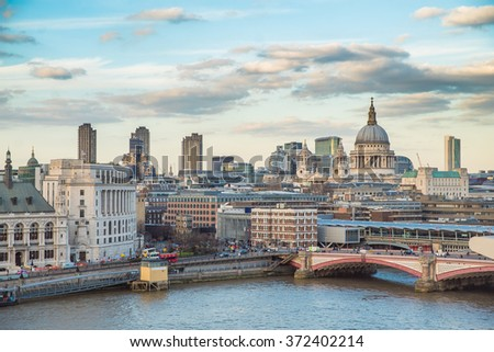VIEW OVER THE CITY OF LONDON AND RIVER THAMES FROM THE OXO TOWER WITH ST PAULS CATHEDRAL IN THE BACKGROUND