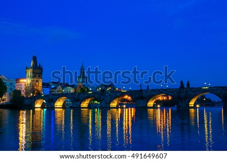 Viewing on Vltava river and Charles bridge at night