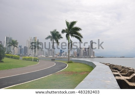 Views of the Panama City waterfront and Panama City skyline, Panama City, Panama, Central America