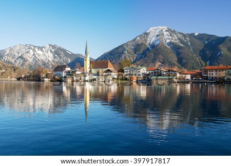 Village of Rottach-Egern at Lake Tegernsee with church and traditional houses, Tegernsee, Bavaria, Germany
