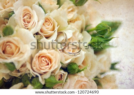 Vintage wedding bouquet with rings