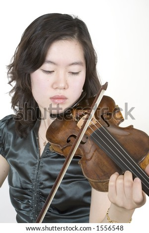 Violinist 2, playing