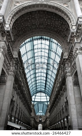 vittorio emanuele gallery in Milan, italian shopping mall