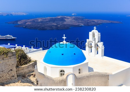 Volcanic caldera and Agios Theodori church (St. Theodore) in Firostefani. Santorini, Greece