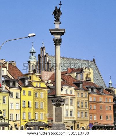 WARSAW, POLAND - SEPTEMBER 22, 2003: Scenic summer view of Castle Square ancient architecture with Sigismund column in the Old Town in Warsaw, Poland.