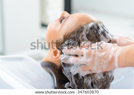 shampooing hair procedure rationale |procedure |rationale | |assess the hair and scalp prior to initiating the  procedure  essay about proper procedure for shampooing hair.