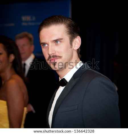 WASHINGTON - April 27:  Actor Dan Stevens arrives at the White House Correspondents Dinner on April 27, 2013 in Washington, DC