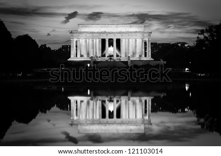 Washington DC, Lincoln Memorial and mirror reflection on the pool at evening - Black and white - stock photo