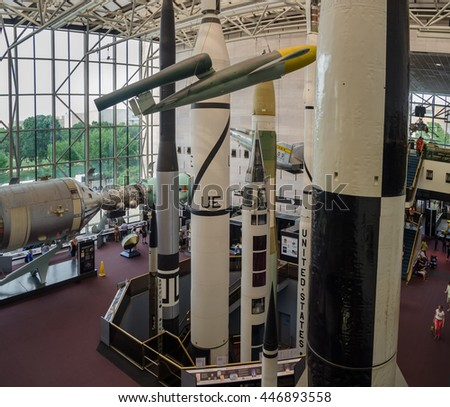 WASHINGTON DC. USA - NOVEMBER 1, 2009: large view of National Air and Space Museum (NASM)