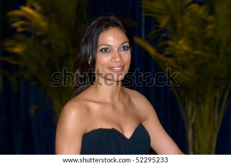 WASHINGTON - MAY 1: Rosario Dawson  arrives at the White House Correspondents Association Dinner May 1, 2010 in Washington, D.C.