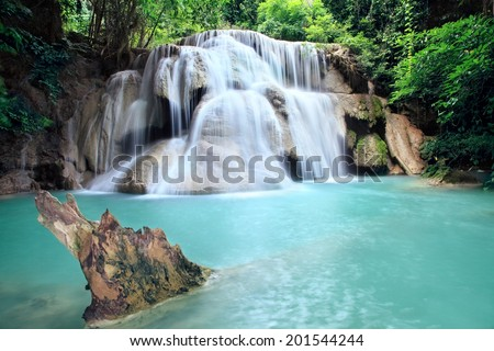 Water fall  hua mae kamin Kanchanaburi, Thailand (hua mae kamin waterfall Nation Park)