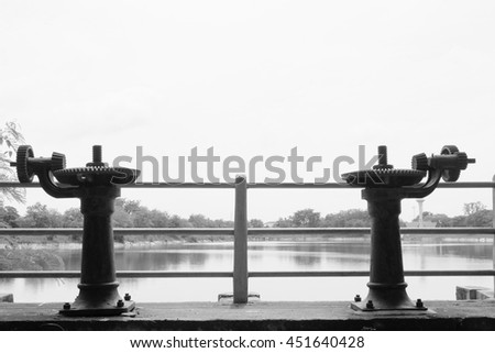 Water gate gear in black and white