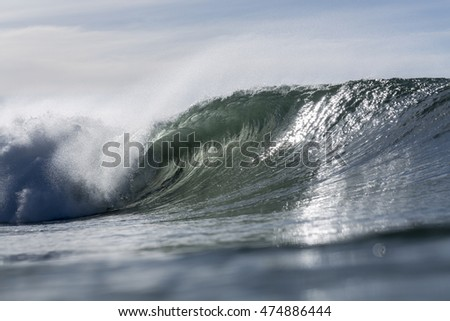 Wave Peeling/ a perfect wave for surfing peeling on the east coast of NZ