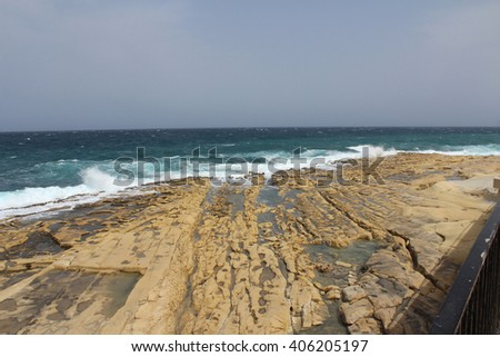 Waves and Rocks, Malta