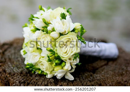 wedding bouquet on the stump