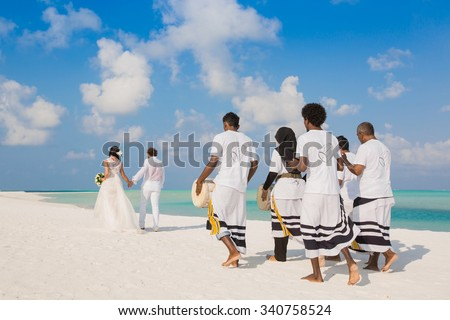 Wedding ceremony with drums in Maldives