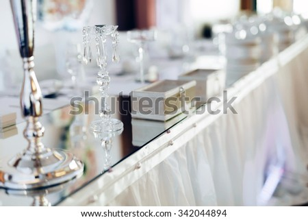 Wedding decorative crystals on table
