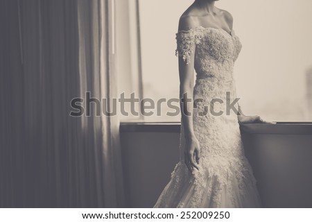 wedding dress color vintage