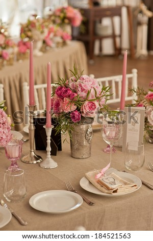 Wedding guest table decoration. Restourant decoration for wedding