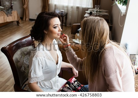 Wedding Morning: bride's make up