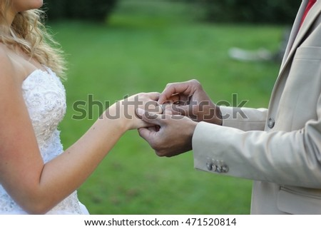 Wedding pictures outside