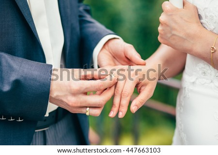 wedding rings hands - Wedding Rings On Hands