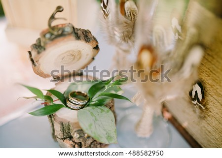 Wedding rings in eco box