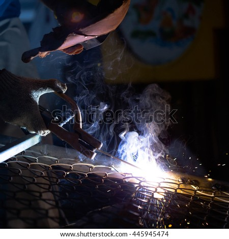 welding metal and sparks